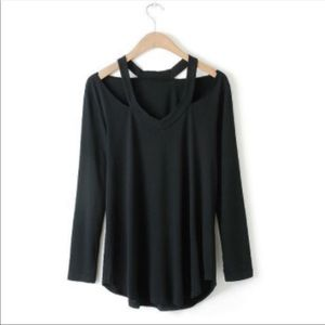 Tops - Long sleeve v neck cutout work out shirt.